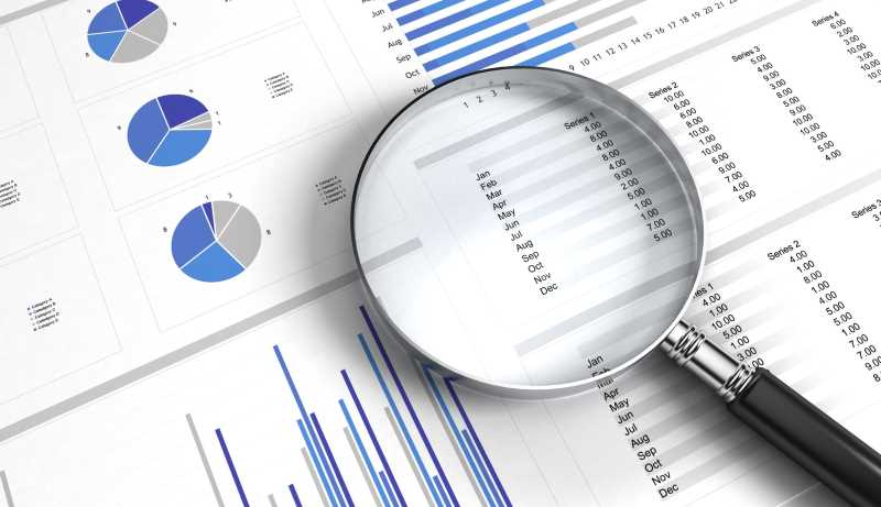 business-valuation-magnifying-glass