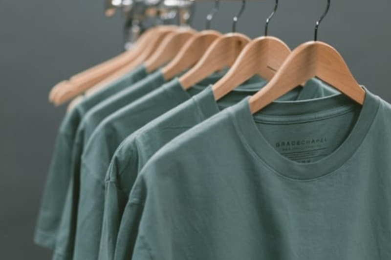 How To Look For An Affordable T-Shirt That Fits Well