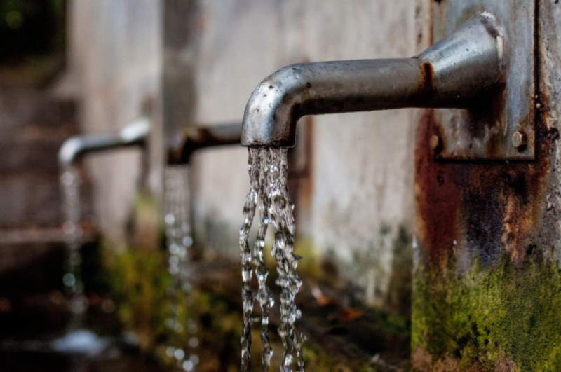 6 Reasons Every Small Business Should Rethink Water Usage